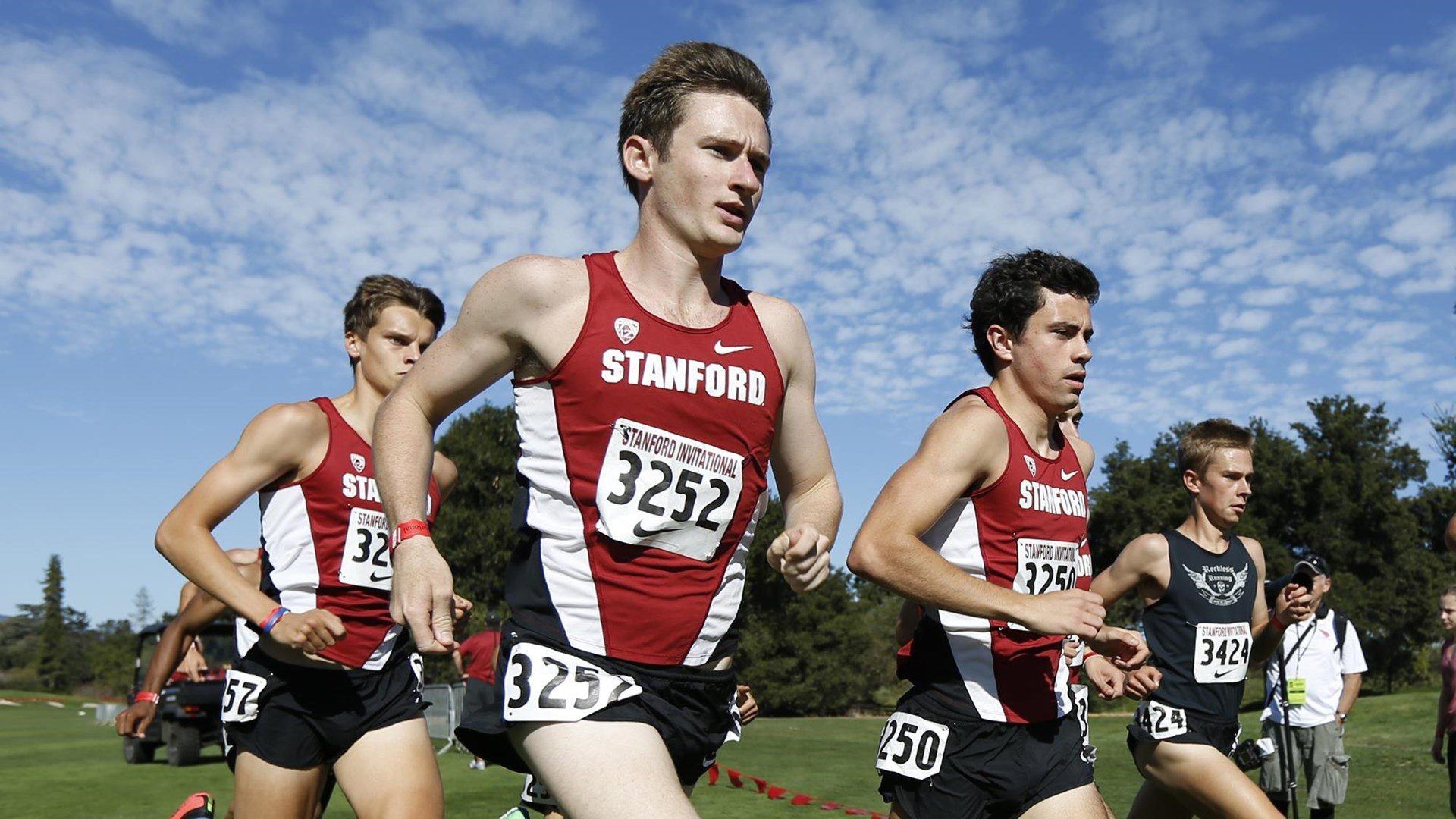 Runners Converge on Stanford